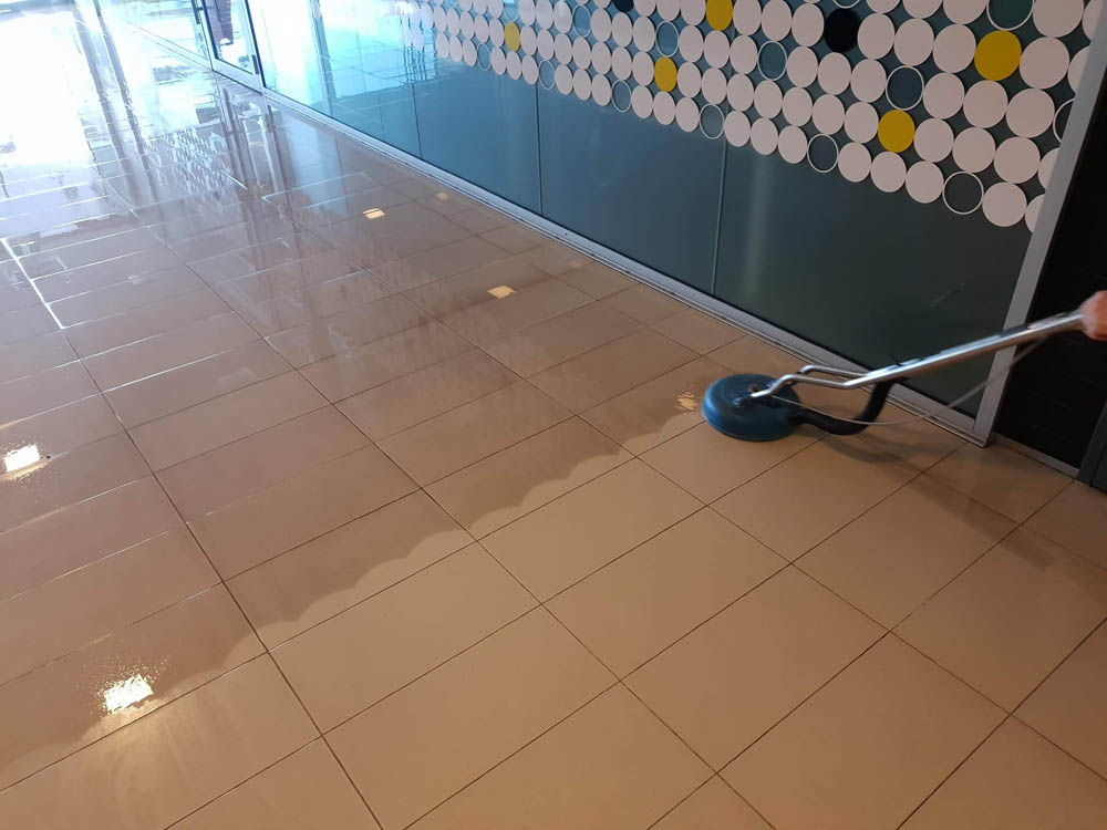 Ceramic floor cleaning in Prospect